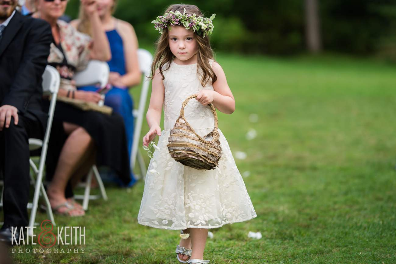 cute flower girl wedding details