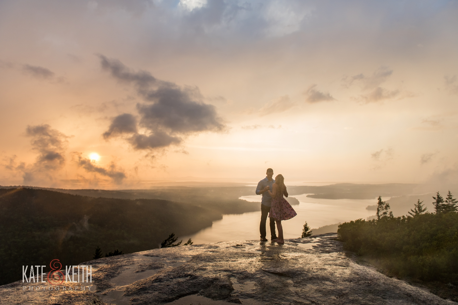 Acadia_National_Park_proposal_rain_photoshoot_engagement