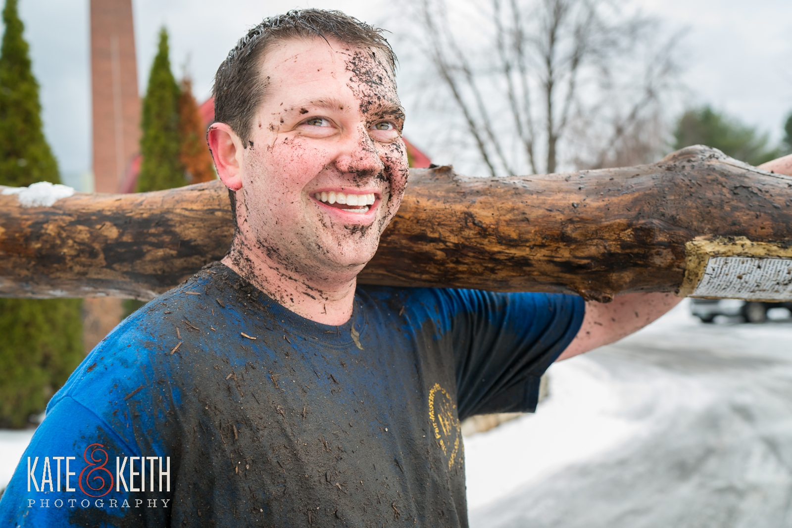 Barn on the Pemi, snowy wedding, muddy groom, active groom, getting ready, outdoorsy groom, fun couple, family traditions