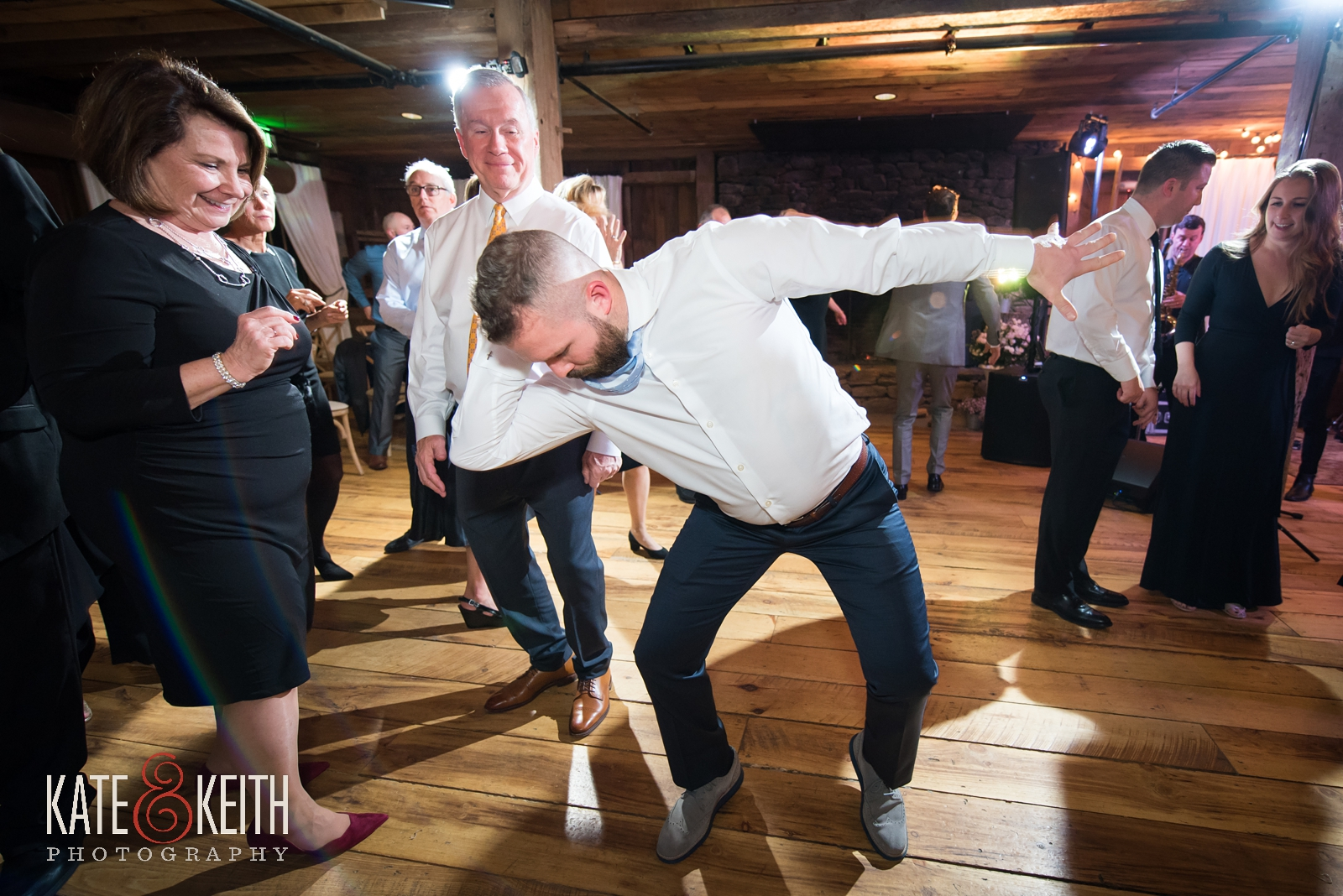 Barn on the Pemi dance floor, Splash band, wedding dancing, barn wedding, wedding reception, New Hampshire barn wedding, dance moves, groomsmen dancing